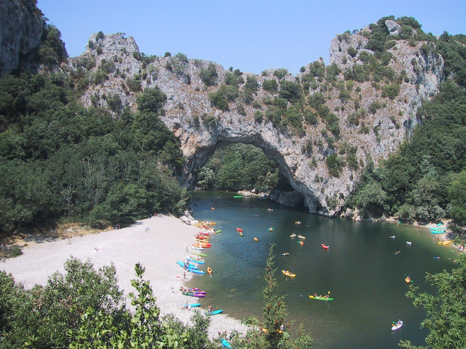 Ardeche france europe your own way - Camping vallon pont d arc piscine ...